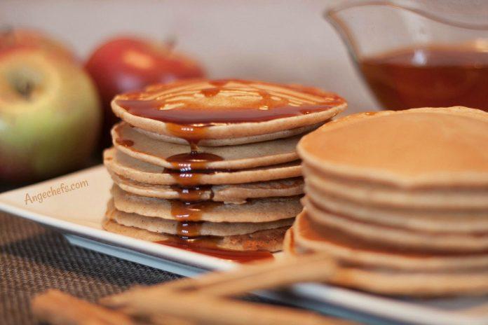 Tortitas-Americanas-de-Manzana-y-Canela-angechefs