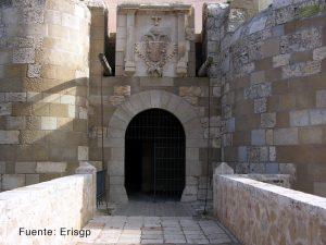 Puerta_santiago_melilla_vieja
